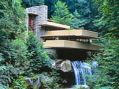 Fallingwater casa kaufmann frank lloyd wright for Frank lloyd wright piani per la casa